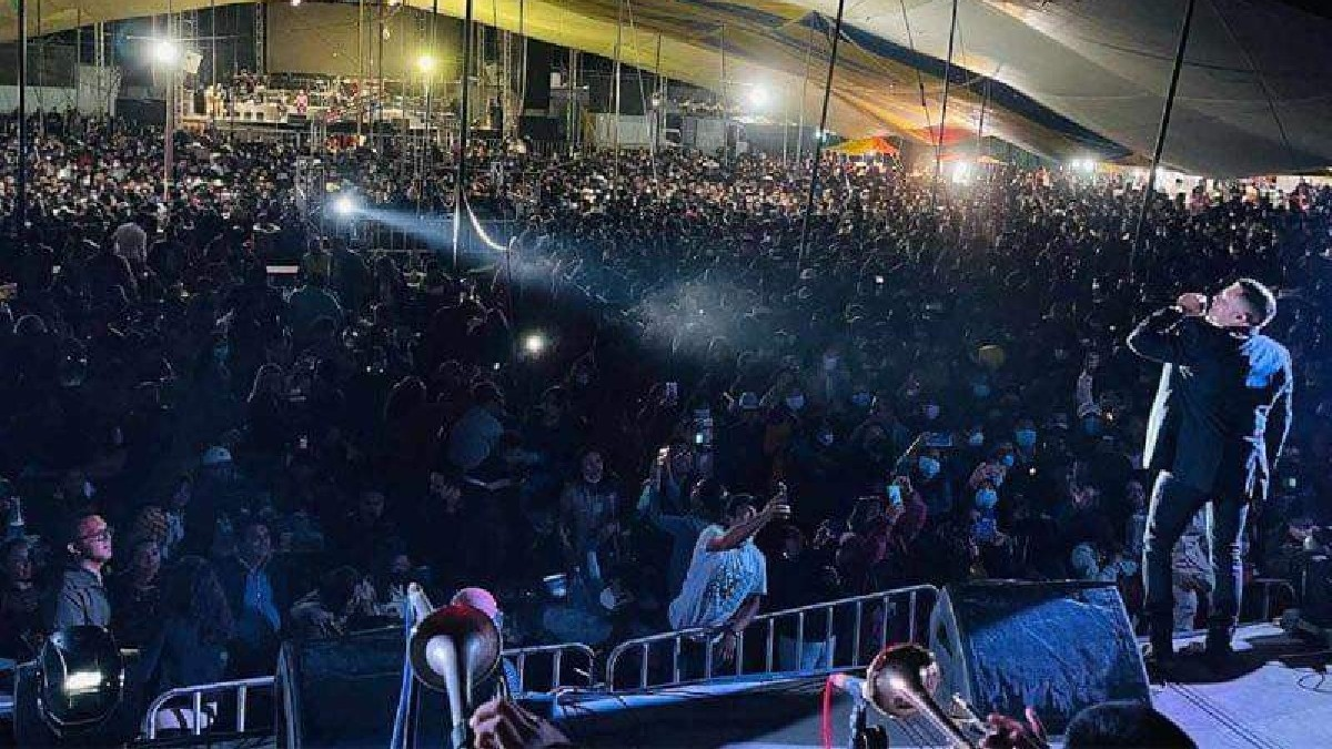 Dan positivo a COVID-19 10 niños tras fiesta en Puebla