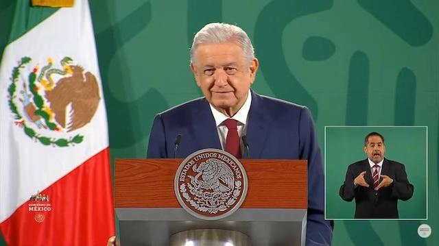 """AMLO invita a Biden visitar México en septiembre, a encuentro """"patrio"""""""