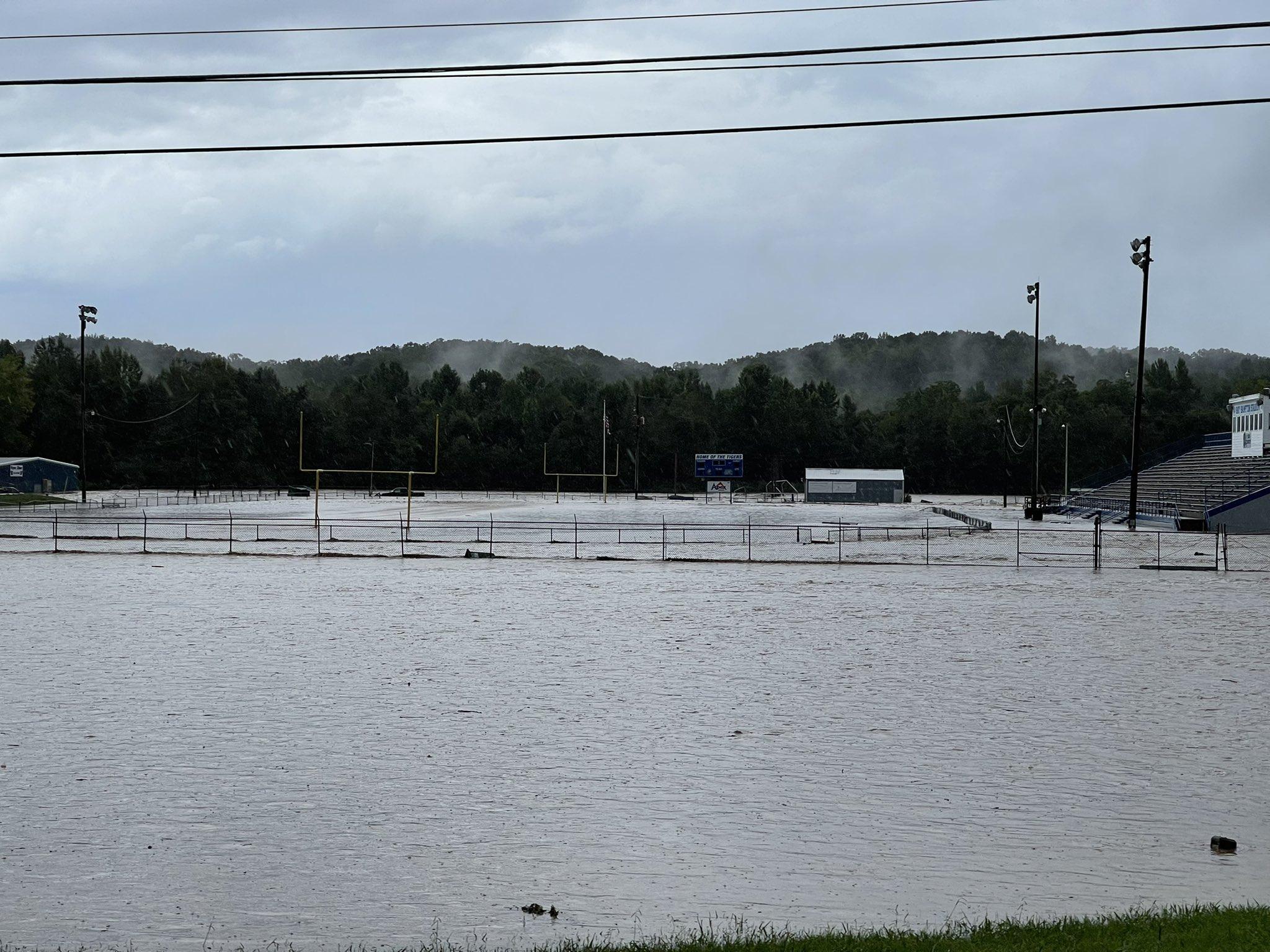 #VIDEO Tennessee es azotado por lluvias históricas que han dejado más de 16 personas sin vida