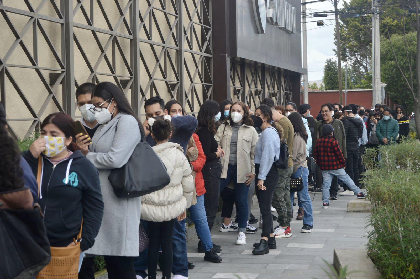 """Filas de hasta dos horas en Metepec por unos """"churros"""""""