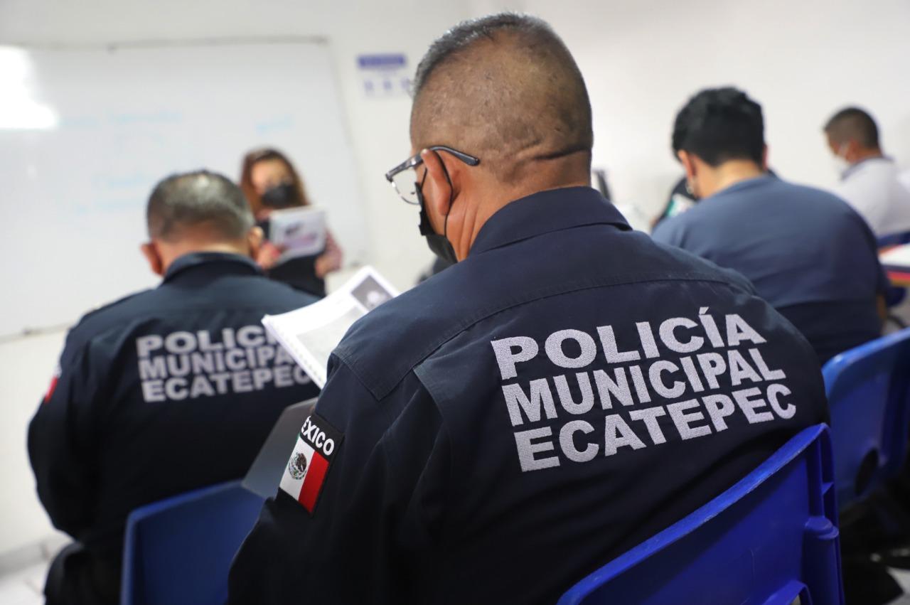 Policías Ecatepec regresan a las aulas para terminar el bachillerato; 253 elementos toman clases por las tardes
