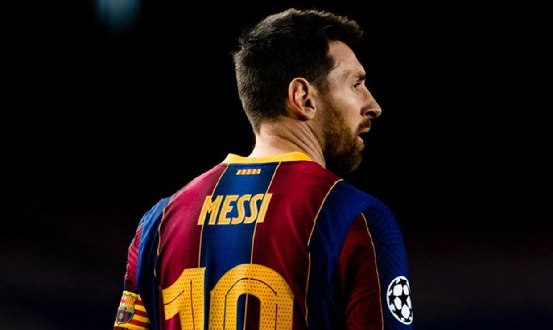 Lionel Messi se despide del Barcelona y de esta manera lo homenajea la afición