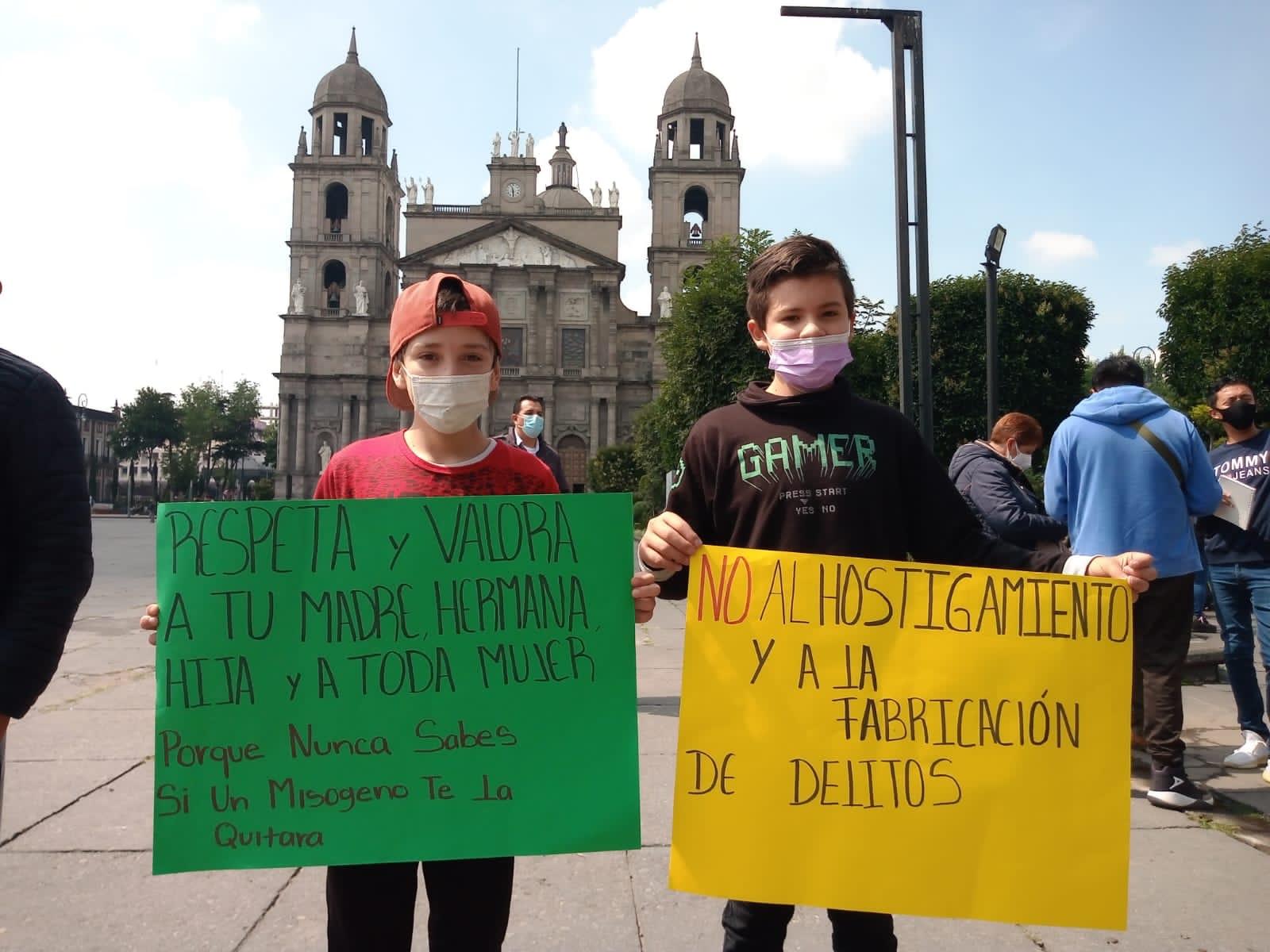 Pleito entre comerciantes destapa ineficacia de director general de Toluca