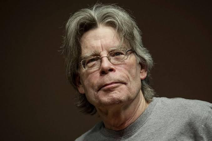 Planea Stephen King escribir un libro sobre el coronavirus