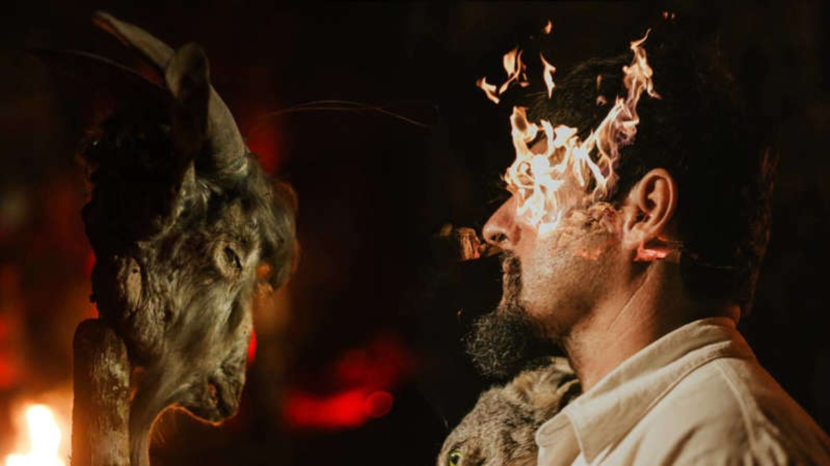 #VIDEO Noticiario australiano transmite ritual satánico en vivo
