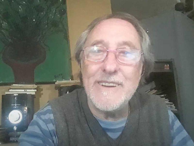 Rodolfo, el abuelito que lee cuentos en YouTube se vuelve viral