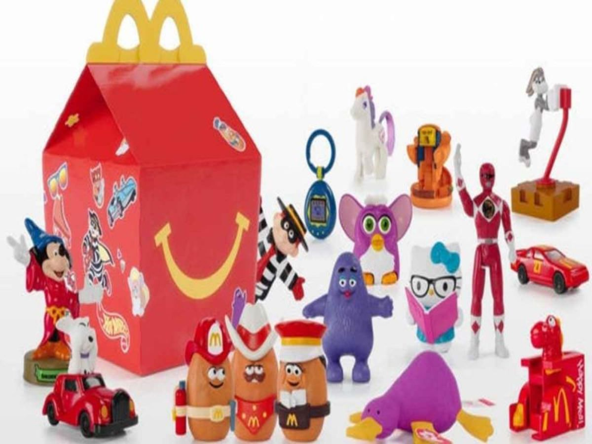 """""""¡Adiós juguetes de plástico, hola ecológicos!"""" McDonald's cambia el contenido de su Cajita Feliz"""