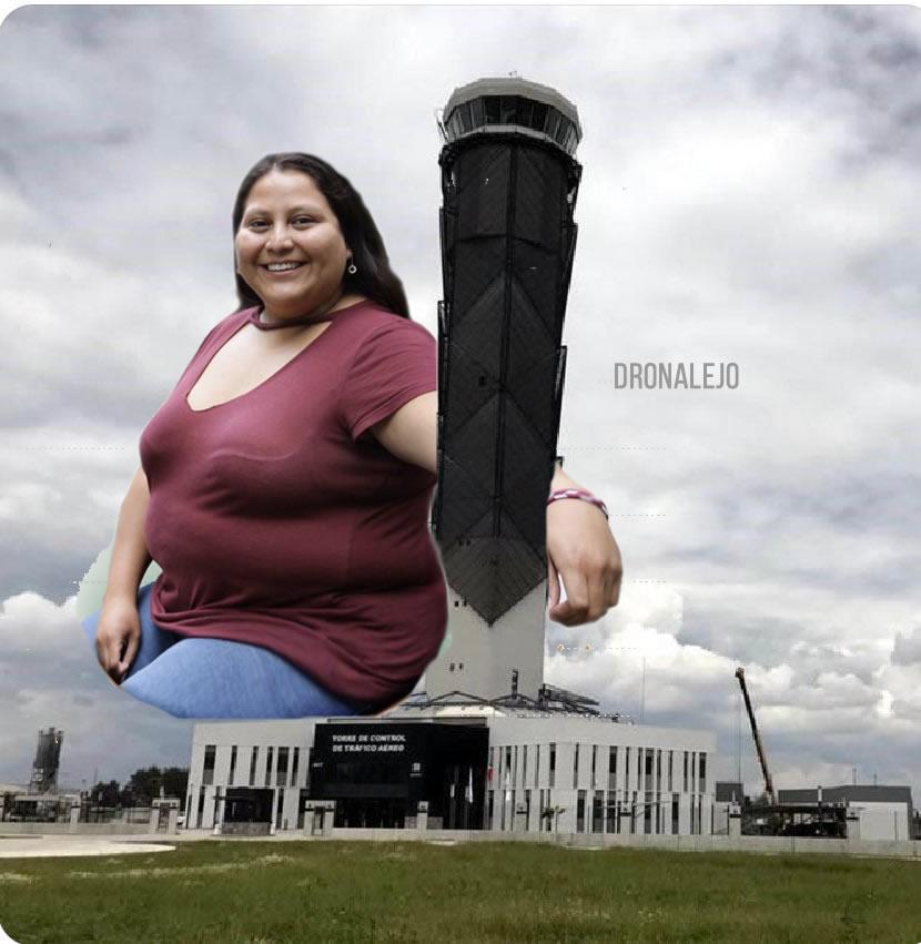 Meme Torre de control de Santa Lucía