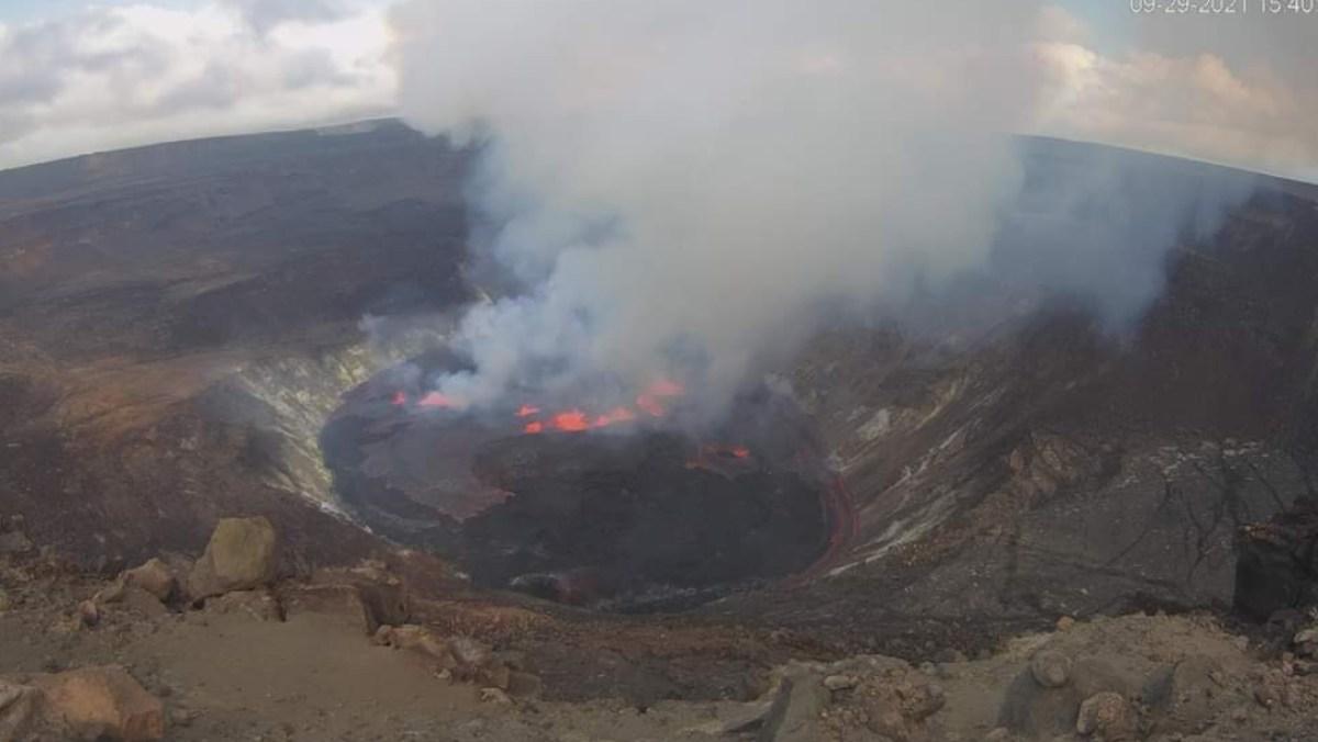 Emiten una alerta roja en Hawái al entrar en erupción el volcán Kilauea