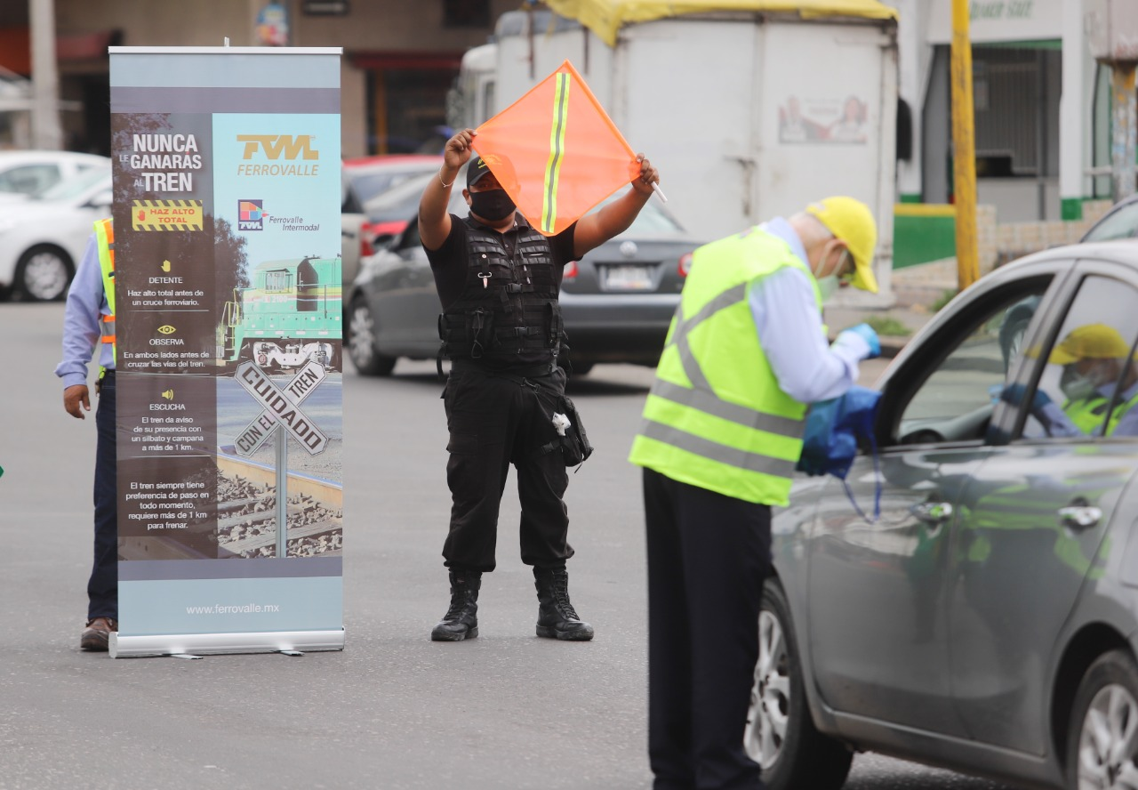 Ecatepec realiza campaña de cultura vial para prevenir accidentes de tren