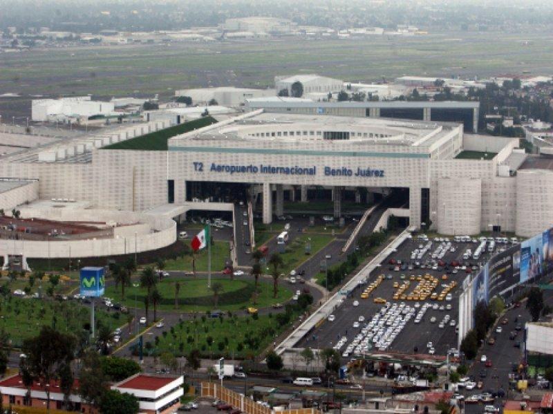 Aeropuerto de CDMX se queda sin luz ; se conecta a estación Merced de la CFE