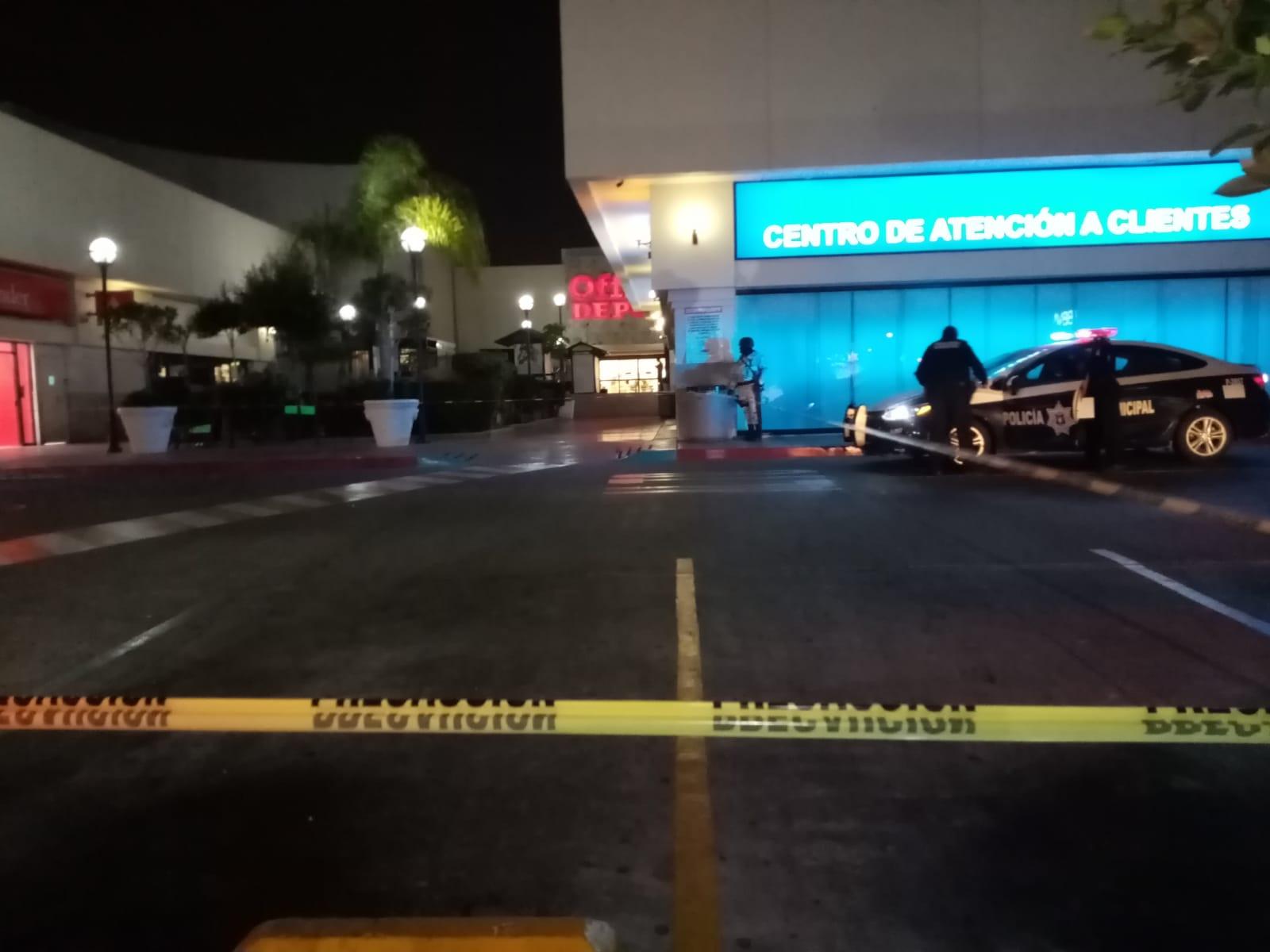 Tiroteó en comercial de Tijuana; una niña y un escolta pierden la vida