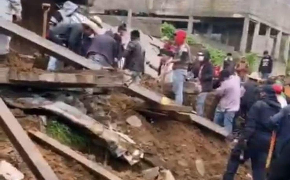 #VIDEO Barda cae sobre casa con familia dentro en Villa Guerrero dejando un saldo de 4 muertos