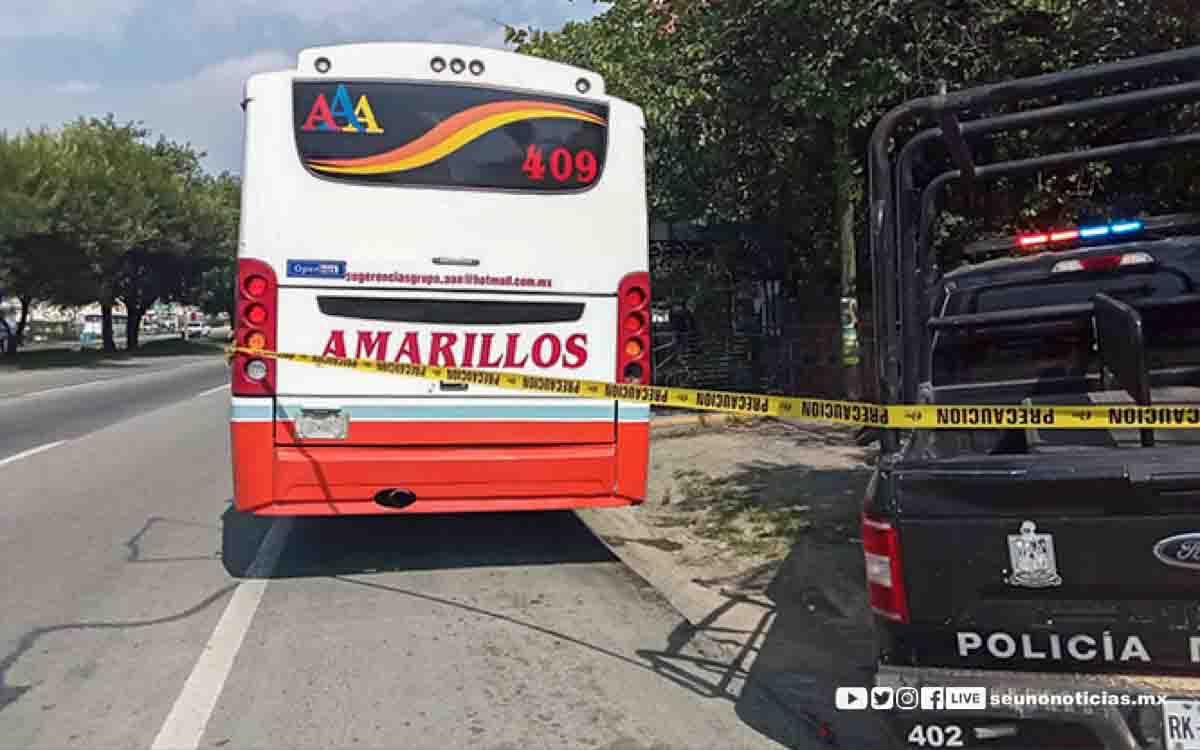 Chofer de autobús apuñala a un pasajero por no usar cubrebocas