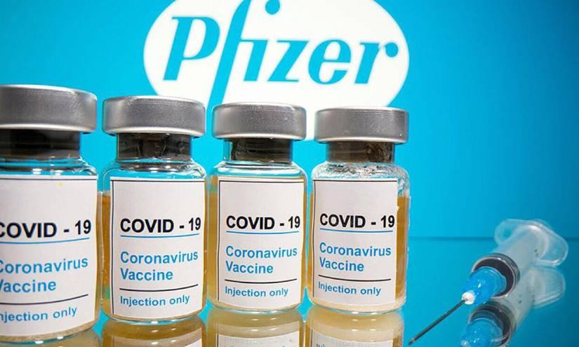 Pfizer prevé el regreso a la vida normal en 'un año' gracias a las vacunas