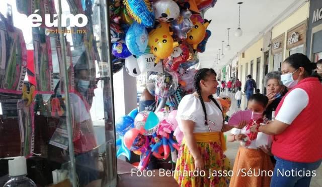 La venta de los cachitos para el sorteo del Palco del Estadio Azteca es todo un éxito en Toluca.