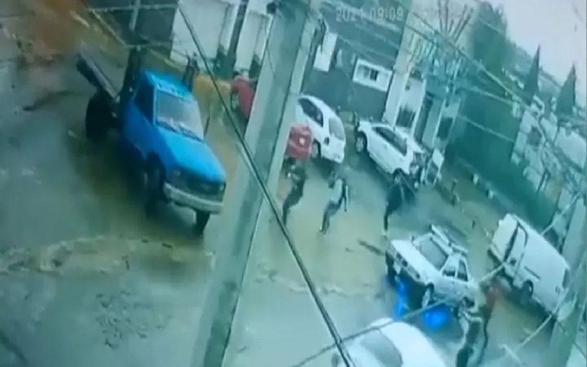 #VIDEO Logran escapar de un comando armado en Ciudad de México