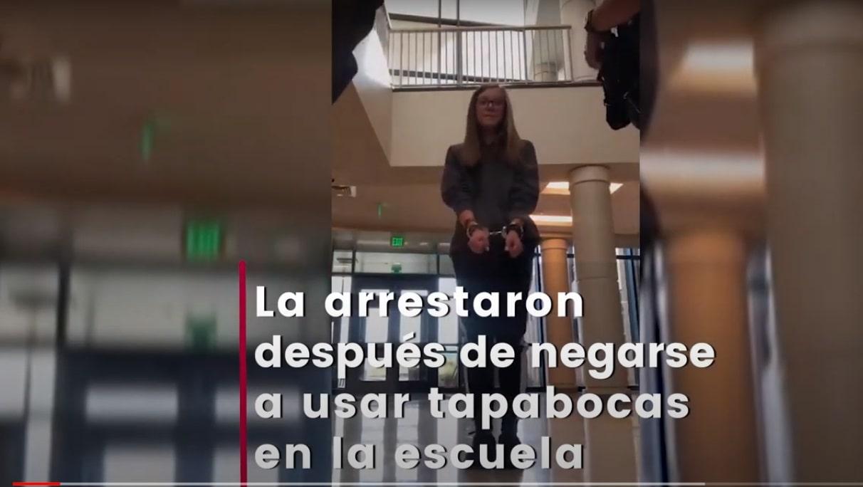 Arrestan a joven de 16 años en su escuela por no usar cubrebocas (vídeo)