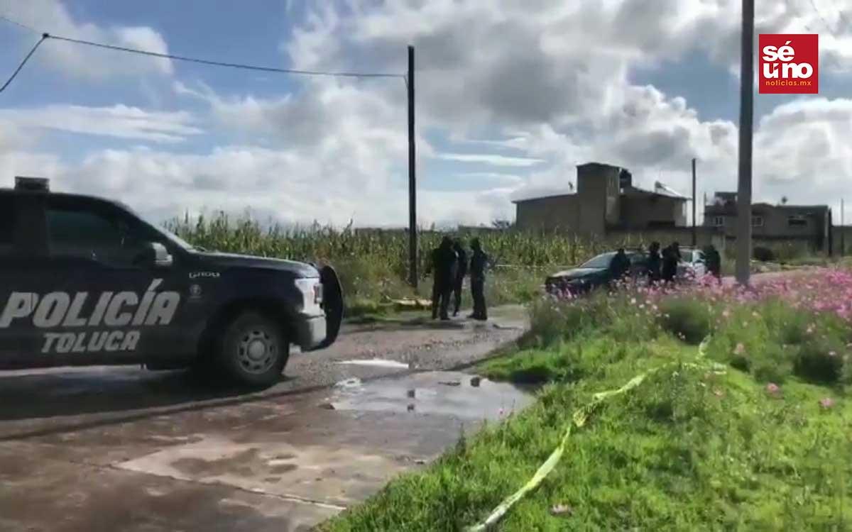 Hallan el cuerpo semidesnudo de una joven en una zanja en Toluca