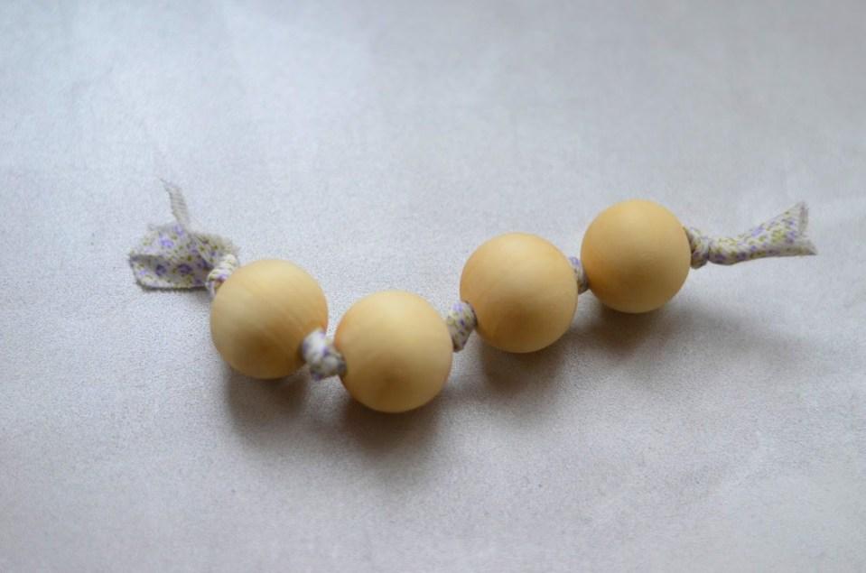 hochet de perles Montessori