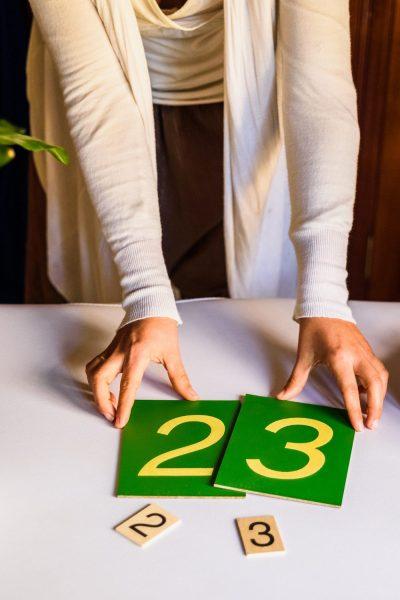 DIY des chiffres rugueux Montessori. #chiffresrugueux #montessori