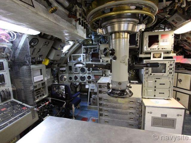 Морской музей Сан-Диего. USS Dolphin. Отсек управления