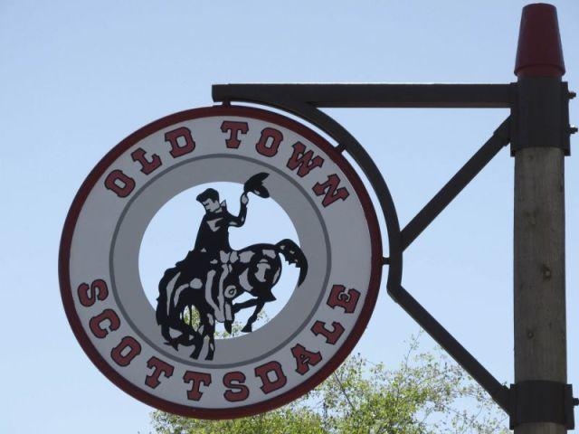 "Скоттсдейл. Знак ""Old Town"""