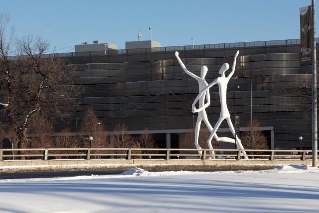 Денвер Достопримечательности Скульптура Танцоры Возле Denver Center for Performing Arts