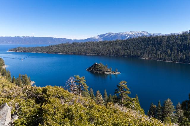 Озеро Тахо (Lake Tahoe) Изумрудная бухта (Emerald bay)