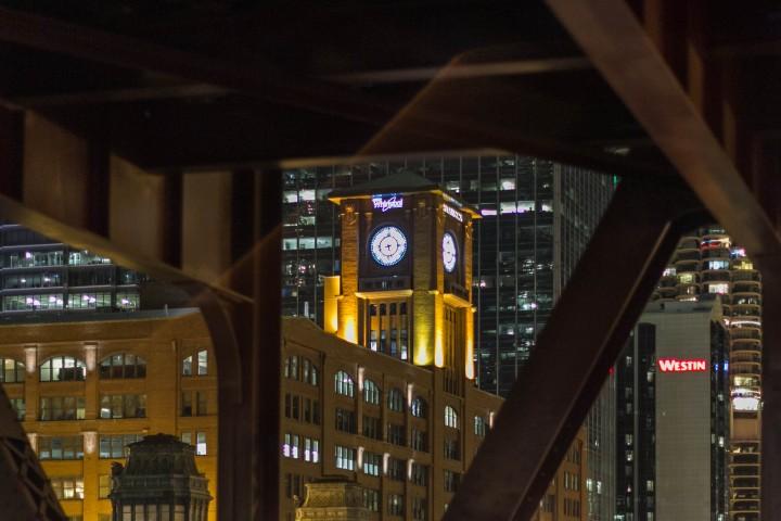 Ночной Чикаго. Часы