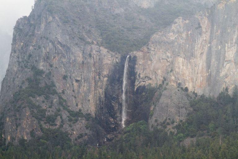 Йосемити парк (Yosemite National Park) Tunnel View Водопад BridalVeil