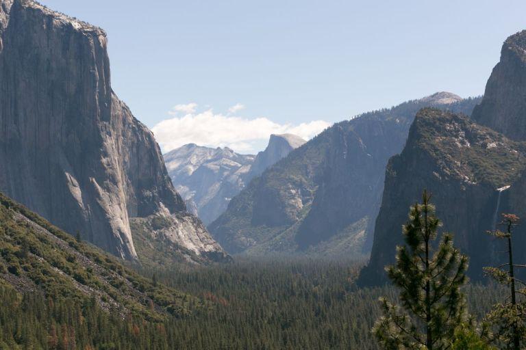 Йосемити парк. Смотровая площадка Tunnel View