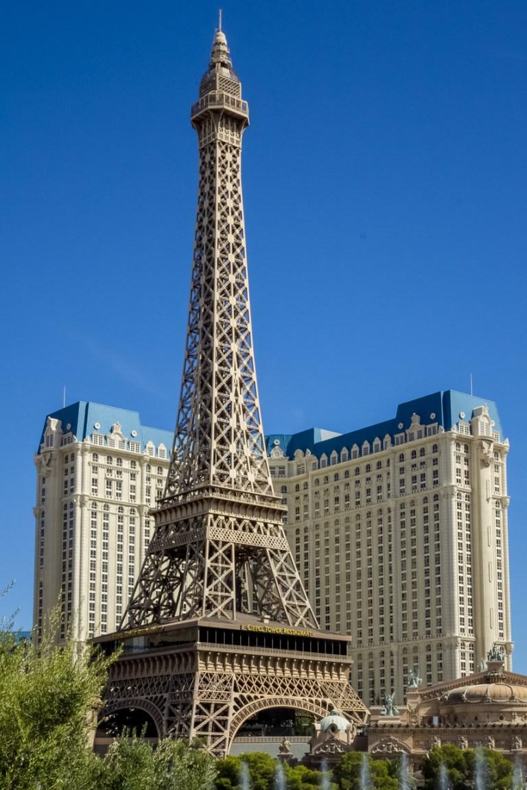 Лас-Вегас.. Скромная невадская Эйфелевская башня