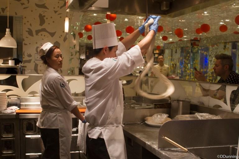 Приготовление китайской лапши. Оас Вегас Стрип. Отель Bellagio