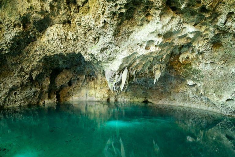 Санто-Доминго. Пещерные озера Los Tres Ojos