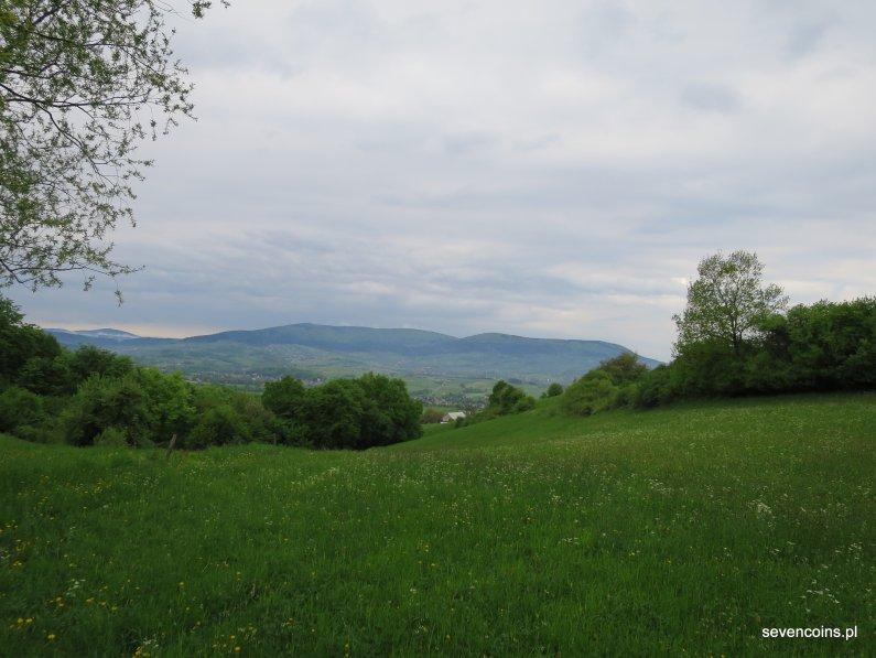 Widok na Lubomir i Kaminniki z okolic PK2