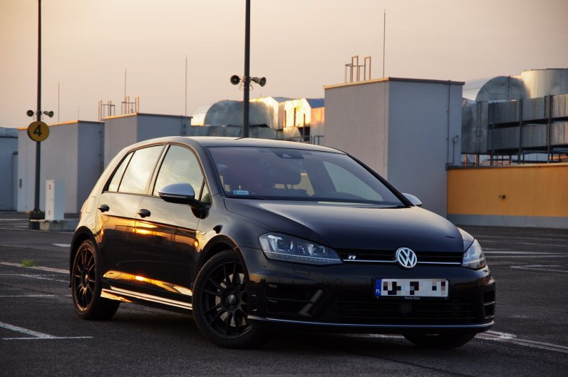 VW Golf 7R + OZ Ultraleggera