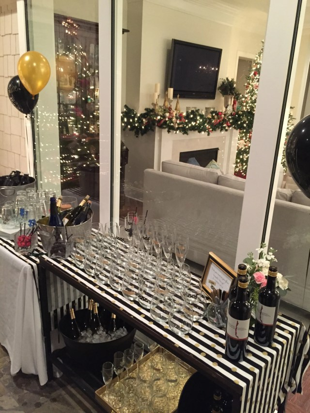 outside bar, 30th birthday party, wine and beer, black and gold decor