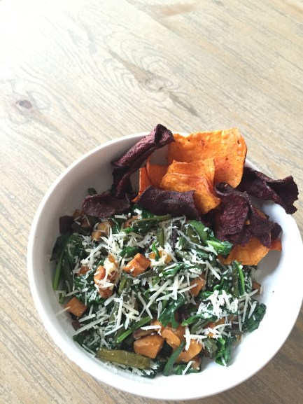 vegetable bowl with veggie chips