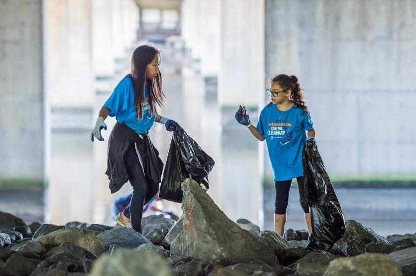 2017 Ocean Conservancy International Coastal Cleanup at Kingman Island on September 16, 2017. Photography by Joy Asico