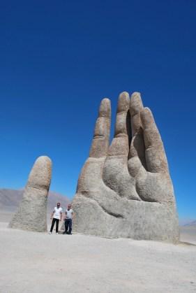 Mano del Desierto , Chile.