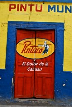Paint shop, Alausí, Ecuador