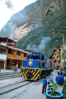 Train, Aguas Calientes