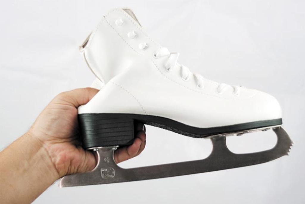 Bersihkan sepatu roda