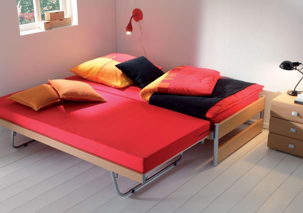 Sofa transpormer.