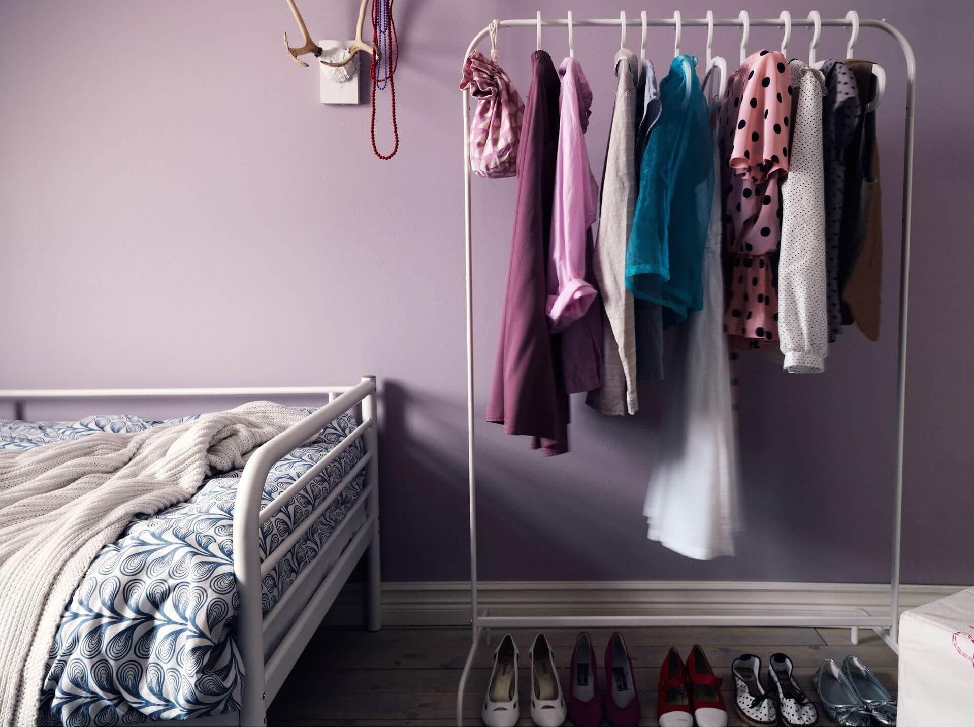 напольная вешалка для одежды фото