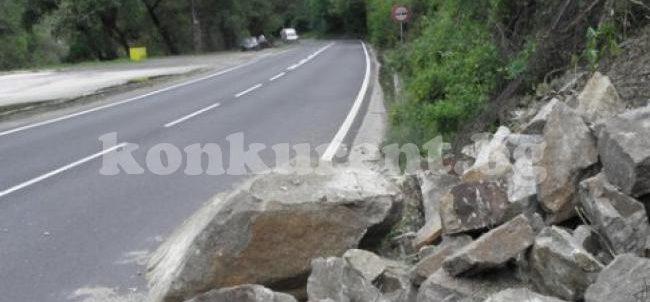 (Bulgarian) Преминаването на камиони през Искърското дефиле е опасно