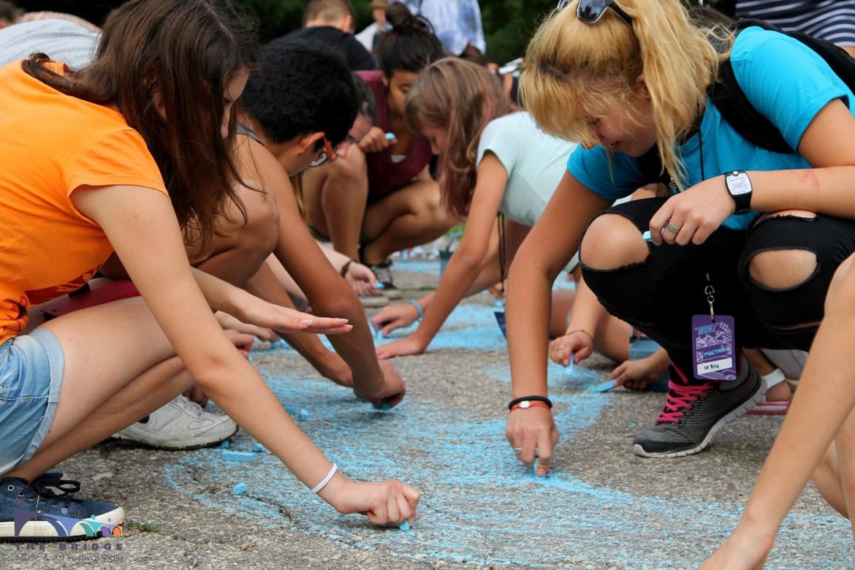 Младежи нарисуваха 100-метрова карта на Дунав