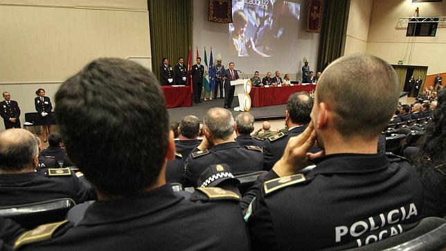 Cinco de los 37 policías imputados no pasaron las pruebas físicas