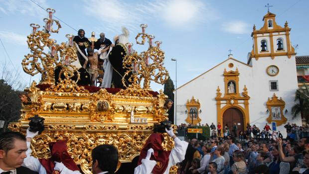 El Santísimo Cristo del Descendimiento, durante su procesión